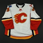 Aucoin, Adrian<br>White Set 1 (RBK Version 2.0)<br>Calgary Flames 2008-09<br>#33 Size: 58+