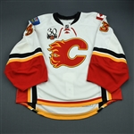 Irving, Leland<br>White Set 1 - Game-Issued (GI)<br>Calgary Flames 2009-10<br>#33 Size: 58G