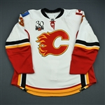 Phaneuf, Dion<br>White Set 2<br>Calgary Flames 2009-10<br>#3 Size: 58