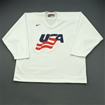 Komisarek, Mike * <br>White, U.S. Olympic Mens Orientation Camp Worn Jersey, Signed<br>USA 2009<br>#8 Size: XXL