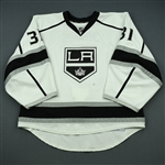 Jones, Martin<br>White Set 3 / Playoffs - Backed Up<br>Los Angeles Kings 2013-14<br>#31 Size: 58G