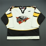 Slaney, Robert<br>White Set 1<br>Cincinnati Cyclones 2011-12<br>#8 Size: 56