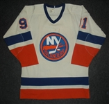 Goring, Butch * <br>White- Stanley Cup Playoffs<br>New York Islanders 1983-84<br>#91