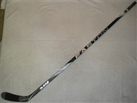 Doughty, Drew * <br>Easton Stick, Autographed, Minor Crack<br>Los Angeles Kings <br>#8