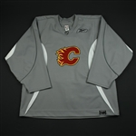 Reebok<br>Gray Practice Jersey<br>Calgary Flames 2006-07<br># Size: 58