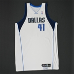 Nowitzki, Dirk * <br>White Set 1 - Worn in 24 games - Photo-Matched to 7 Games<br>Dallas Mavericks 2008-09<br>#41 Size: 54+4