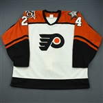 Murray, Pat * <br>White, NHL 75th and Flyers 25th Anniversary Patch<br>Philadelphia Flyers 1991-92<br>#24 Size: 52
