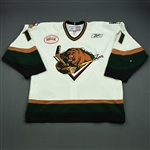 Gergen, Michael<br>White Set 1 w/ Inaugural Season at Maverik Center Patch<br>Utah Grizzlies 2010-11<br>#11 Size: 56