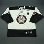 Schaeffer, Kevin<br>White Set 1 w/A<br>Las Vegas Wranglers 2010-11<br>#3 Size: 56