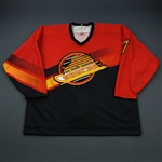 Roberts, David * <br>Red Alternate<br>Vancouver Canucks 1996-97<br>#7 Size: 54