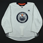 adidas<br>White Practice Jersey <br>Edmonton Oilers 2017-18<br> Size: 56