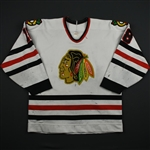 Savard, Denis *<br>White - w/A removed<br>Chicago Blackhawks 1987-88<br>#18
