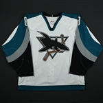Selanne, Teemu *<br>White - PHOTO-MATCHED<br>San Jose Sharks 2001-02<br>#8 Size: 54