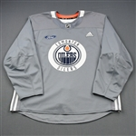 adidas<br>Gray Practice Jersey w/ Ford Patch <br>Edmonton Oilers 2018-19<br># Size: 56