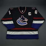 Naslund, Markus *<br>Navy 2nd Regular Season w/C - Photo-Matched<br>Vancouver Canucks 2003-04<br>#19 Size: 58